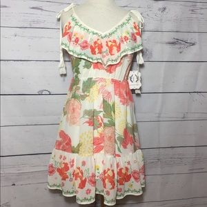 NWT ENTOURAGE BOUTIQUE FLORAL DRESS